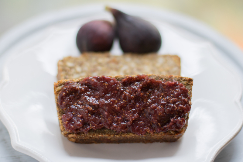 Figs-and-bread-up-close